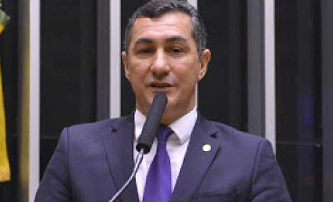 Deputado federal Jesus Sérgio anuncia voto contrário à privatização dos Correios